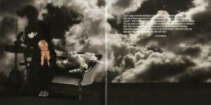 Annie Lennox - Nostalgia (Booklet 02)