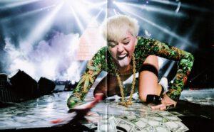 Miley Cyrus - Bangerz Tour - Booklet (6-6)